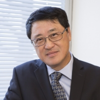 Picture of Professor Lieping Chen